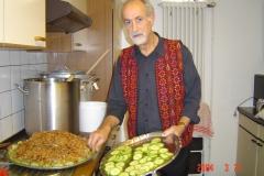 2.2-Jalil bereitet das Essen